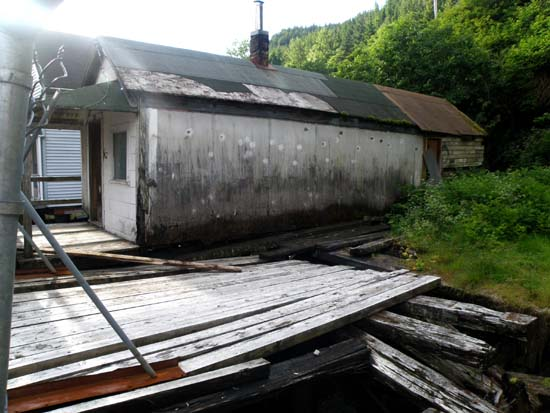 Hopkins Alley shack right side.