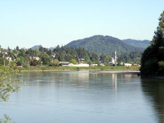 Looking across the Skagit River towards Mount Vernon.