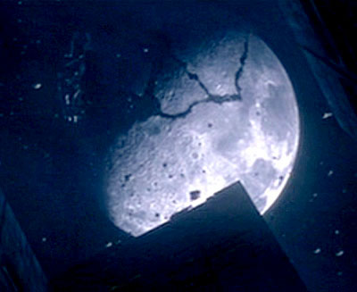 The moon fractured in the 2002 Time Machine movie